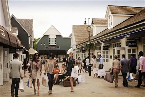 Bicester Shopping Village Express Excursion