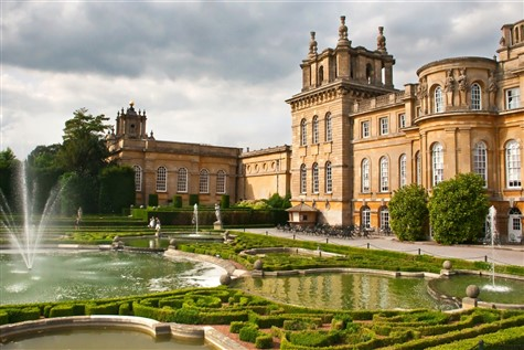 Stately Homes & Treasures by the Thames