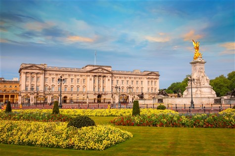 Buckingham Palace with Lunch & Thames Cruise