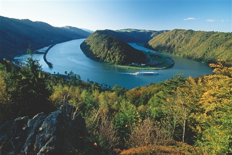 A stunning shot of the Danube near Schloegen.