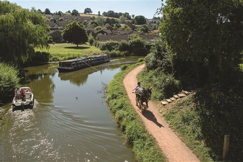 Devon Explorer - Trails Through the West Country