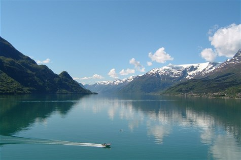 Fjords, Glaciers & Mountains