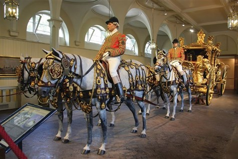 The Queens Gallery & Royal Mews