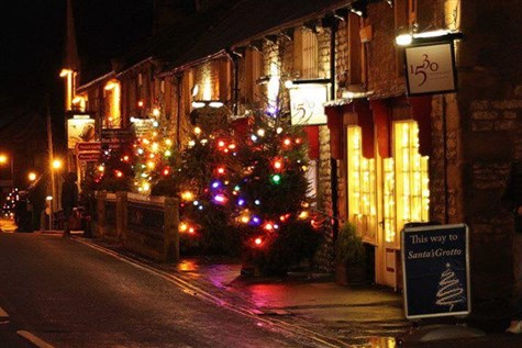 Peak Village & Castleton at Christmas