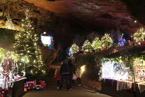 Clearwell Caves - Christmas Fantasy Spectacular