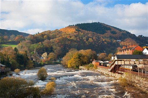 Llangollen and the delightful Dee Valley