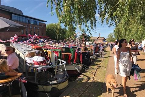 Straford Upon Avon River Festival Express