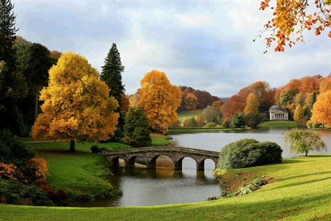Stourhead Autumn Colour