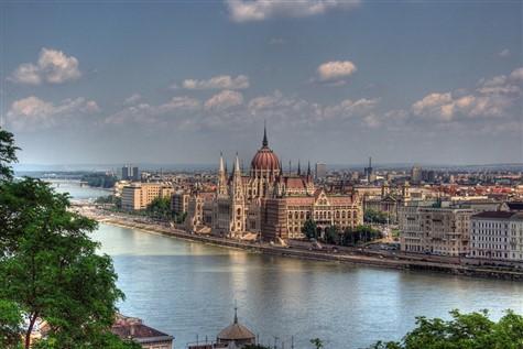Hungarian Rhapsody by Air