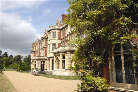 Luxury Traveller - Treasured Houses of Norfolk