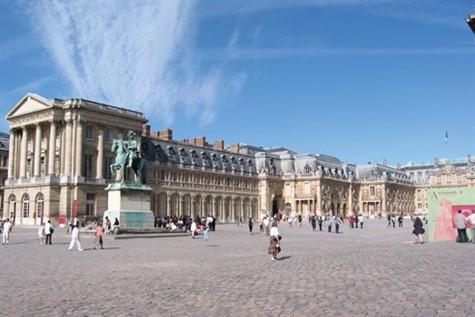 Versailles, Candlelit Chateaux & Monet's Garden