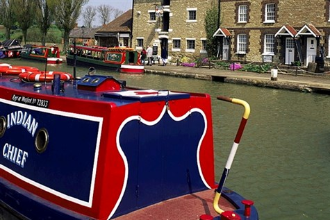 Stoke Bruerne Canal Museum and Cruise